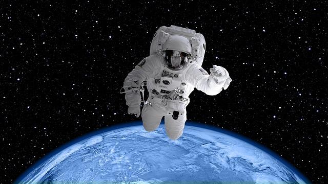 kosmický oblek