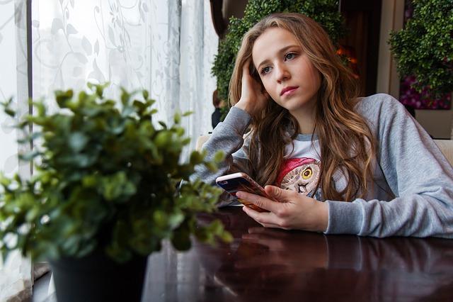smutná dívka.jpg