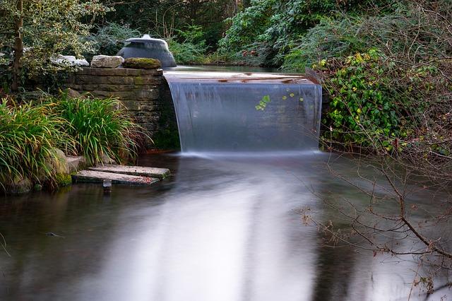 zahradní vodopád
