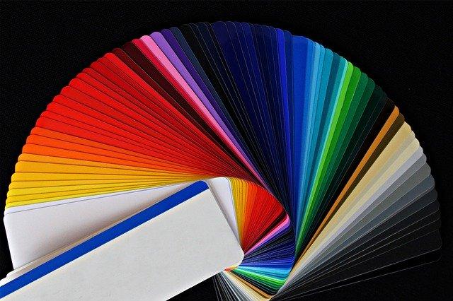 barevná papírová paleta